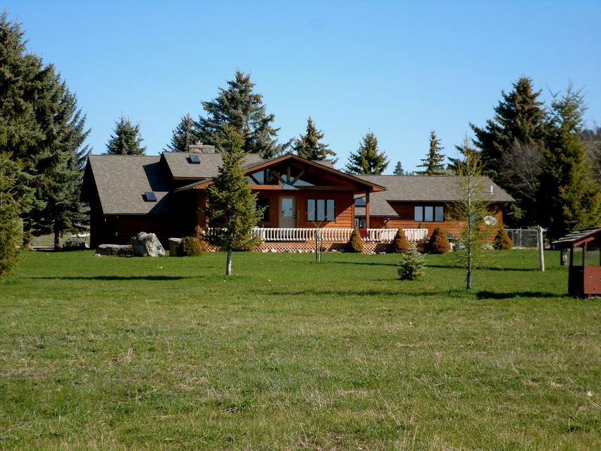 Single Family Home for Sale at 32219 Cutting Horse Lane 32219 Cutting Horse Lane Polson, Montana 59860 United States