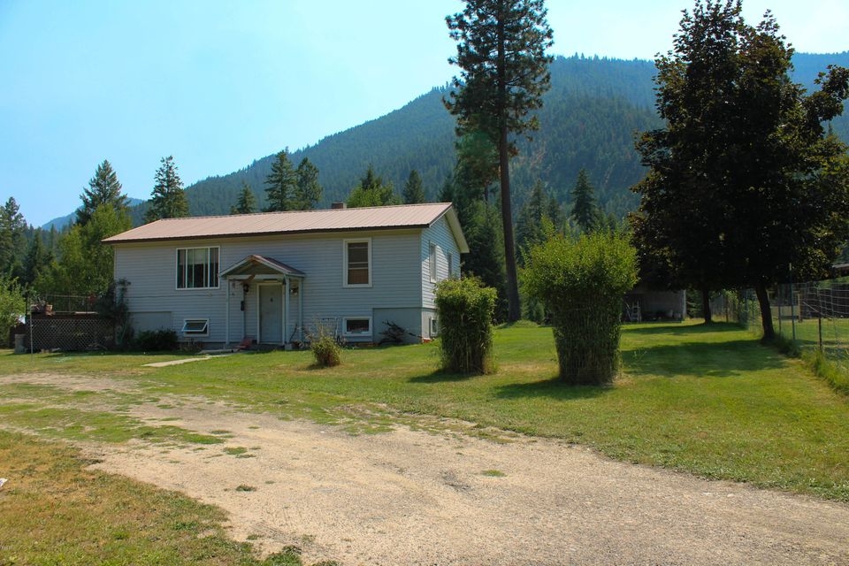 Tri-level home on 1 acre, close to National Forest lands in Sanders Co., MT