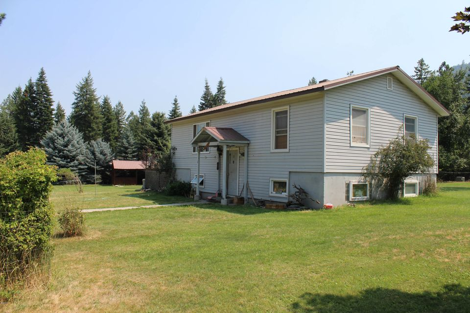 Tri level home, on 1 acre, close to National Forest land in Big Sky MT