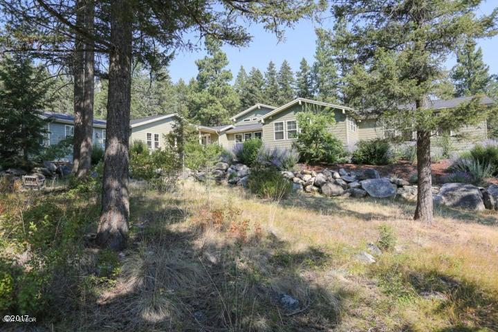 Single Family Home for Sale at 2225 Alder Springs Lane 2225 Alder Springs Lane Victor, Montana 59875 United States