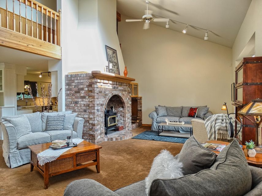 Additional photo for property listing at 221 Sweetgrass Way  Whitefish, Montana 59937 United States