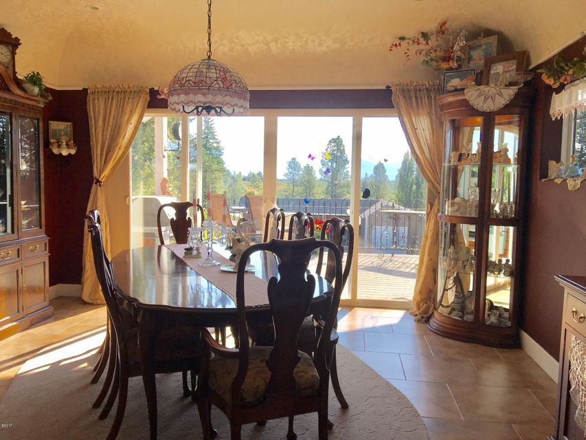 Additional photo for property listing at 1077 Whitefish Stage Road  Kalispell, Montana 59901 United States
