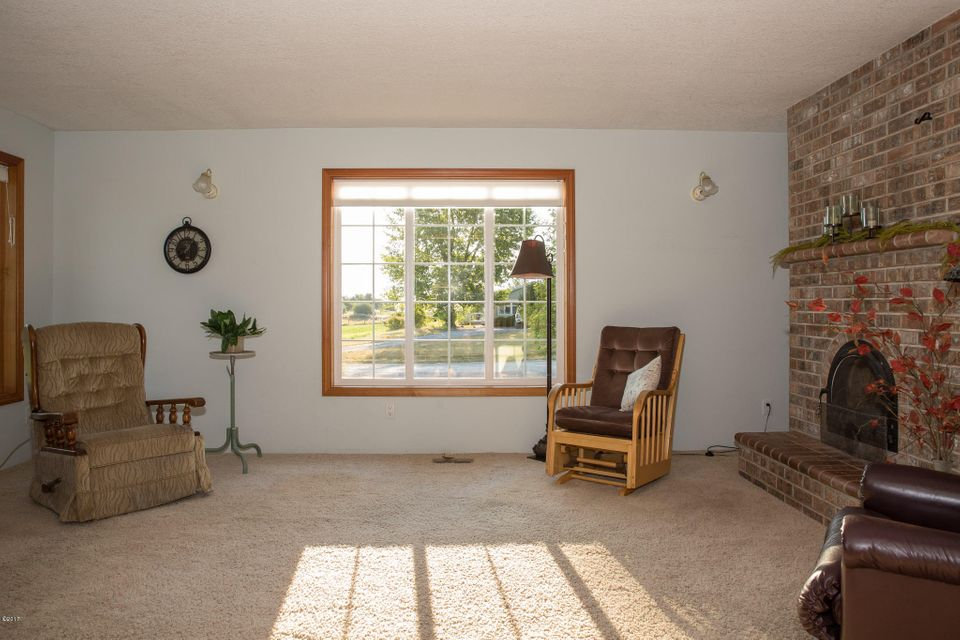 Additional photo for property listing at 2120 Lower Valley Road 2120 Lower Valley Road Kalispell, Montana 59901 United States
