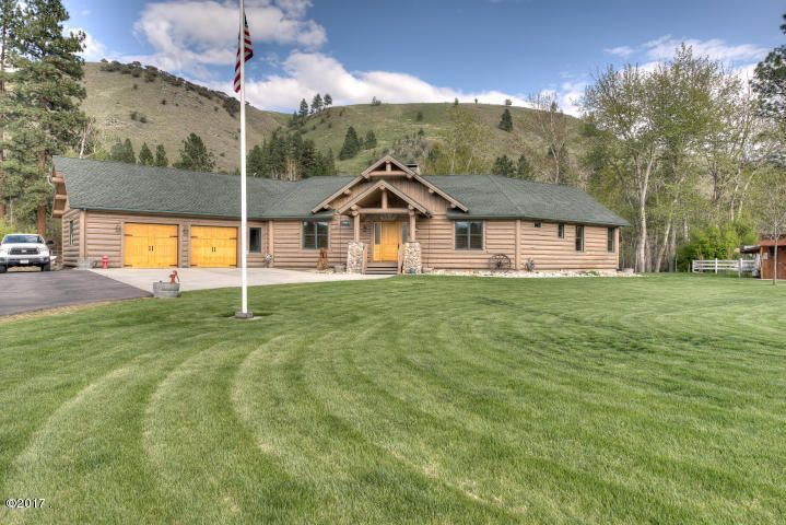 Single Family Home for Sale at 20 Shirleys Court 20 Shirleys Court Darby, Montana 59829 United States