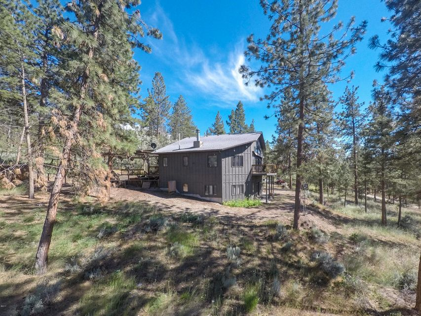 Single Family Home for Sale at 460 Winters Lane 460 Winters Lane Stevensville, Montana 59870 United States