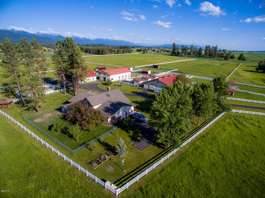 Additional photo for property listing at 220 Montana Hwy 206 220 Montana Hwy 206 Kalispell, Montana 59901 United States