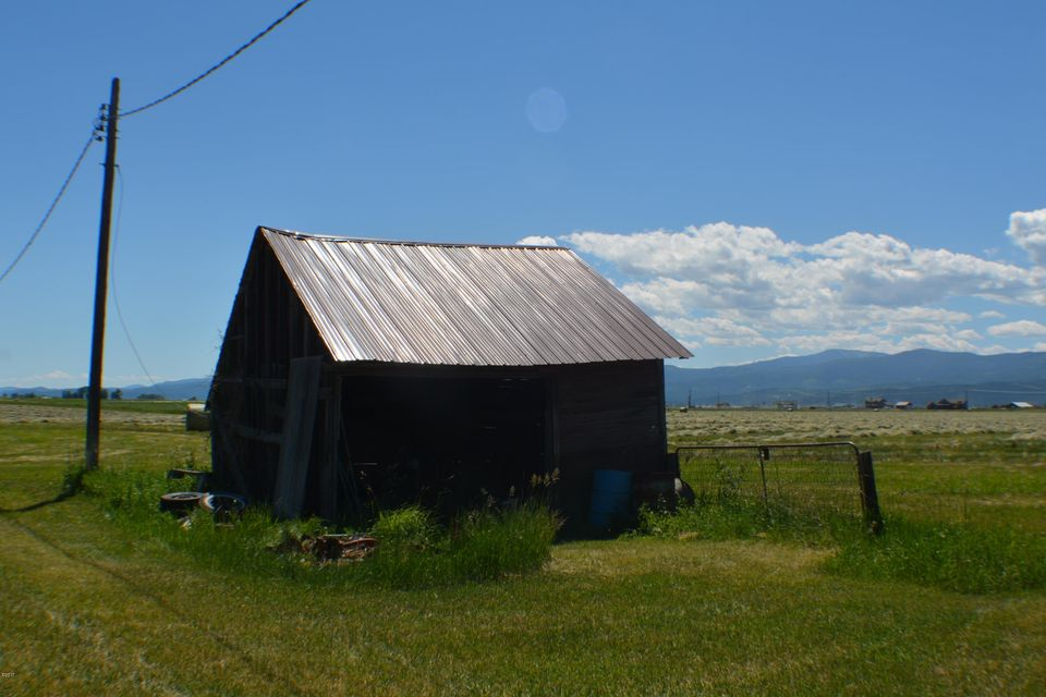 Additional photo for property listing at 284 Therriault Road 284 Therriault Road Kalispell, Montana 59901 United States