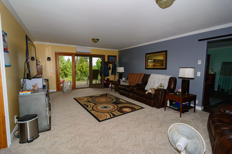 Additional photo for property listing at 830 Kienas Road  Kalispell, Montana 59901 United States