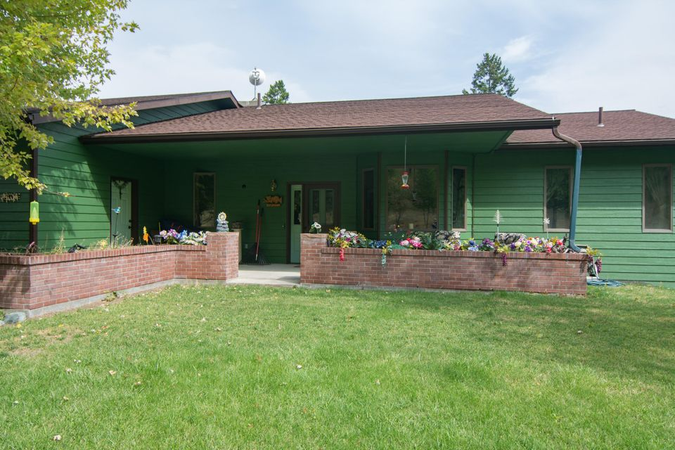 Single Family Home for Sale at 830 Kienas Road Kalispell, Montana 59901 United States