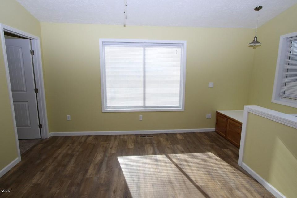 40 Katy Lane  family room 2 (Medium)