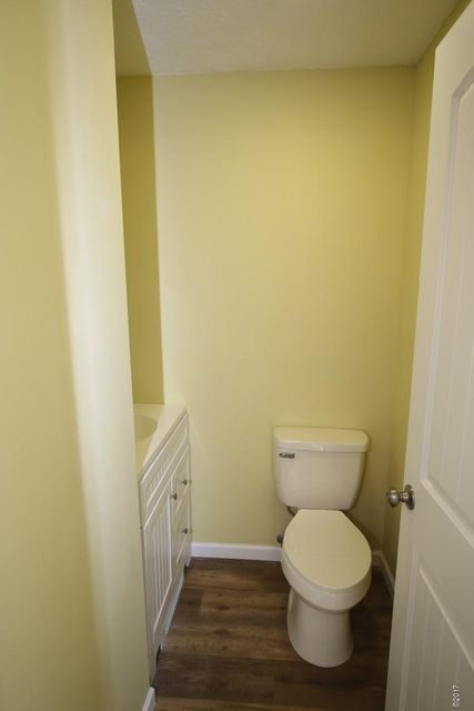 40 Katy Lane powder room (Medium)