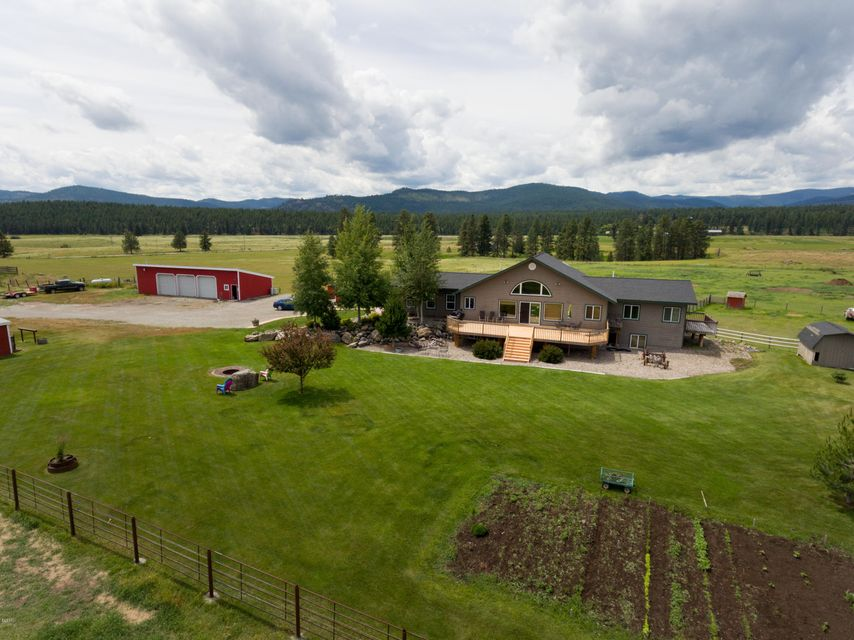 Single Family Home for Sale at 124 Le Doux Drive Kalispell, Montana 59901 United States