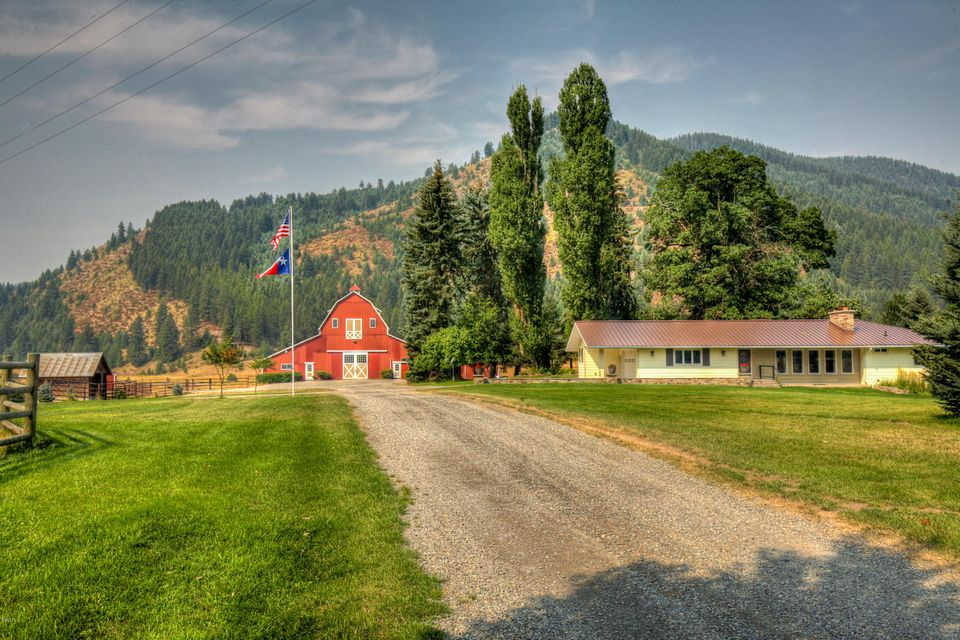 Single Family Home for Sale at 274 Little Beaver Creek Road 274 Little Beaver Creek Road Trout Creek, Montana 59874 United States