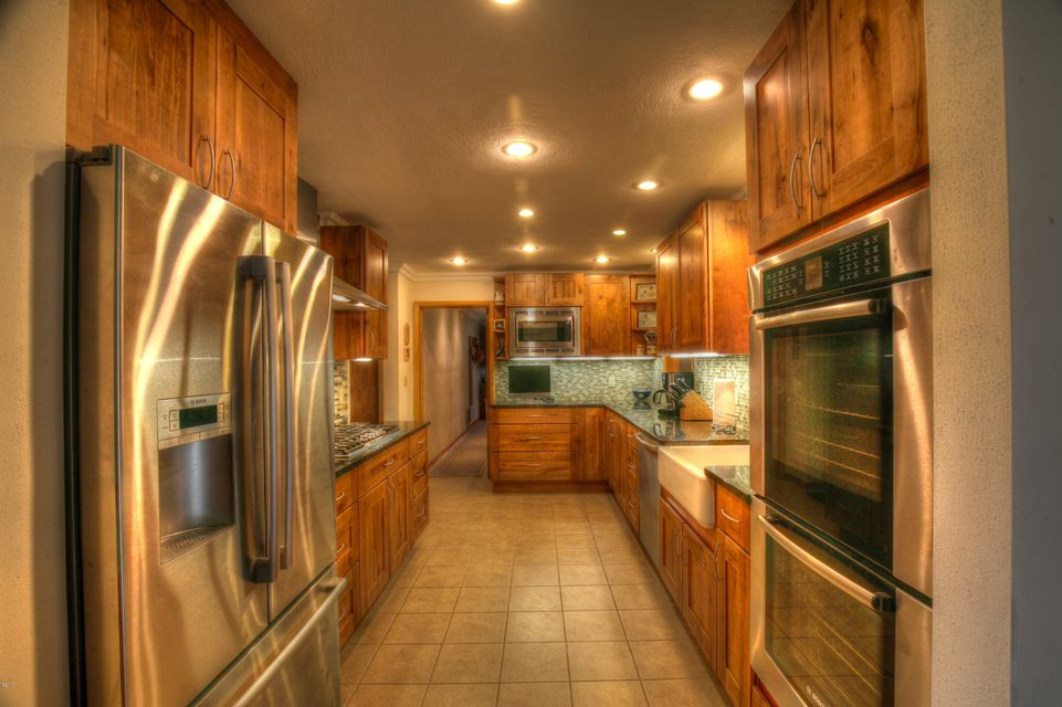 Additional photo for property listing at 274 Little Beaver Creek Road 274 Little Beaver Creek Road Trout Creek, Montana 59874 United States