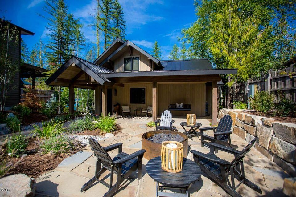Additional photo for property listing at 1716 West Lakeshore Drive 1716 West Lakeshore Drive Whitefish, Montana 59937 United States