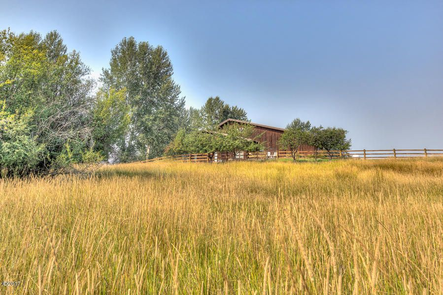 Additional photo for property listing at 121 South Kootenai Creek Road 121 South Kootenai Creek Road Stevensville, Montana 59870 United States