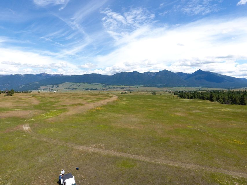 Additional photo for property listing at Airport Drive Airport Drive Eureka, Montana 59917 United States