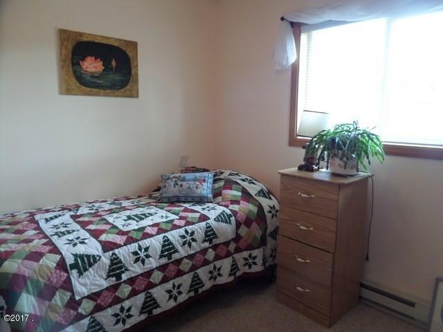 016_Guest Bedroom