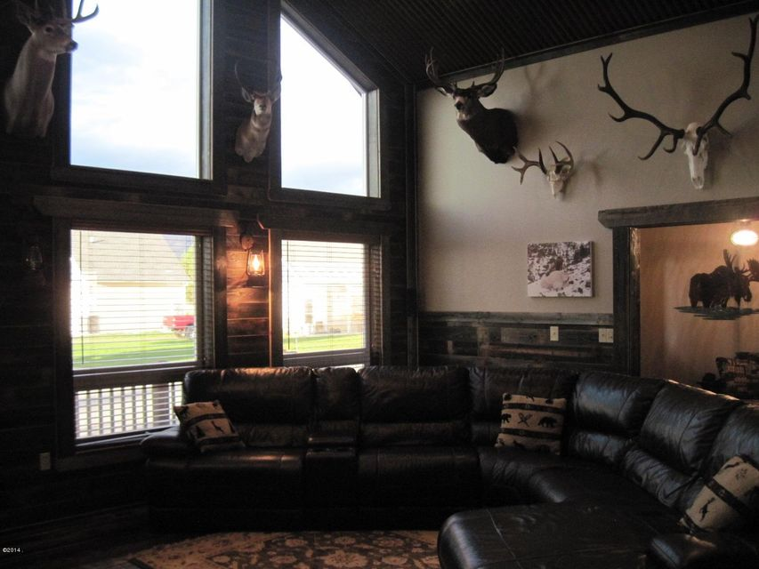 Additional photo for property listing at 111 Eastway Drive 111 Eastway Drive Columbia Falls, Montana 59912 United States