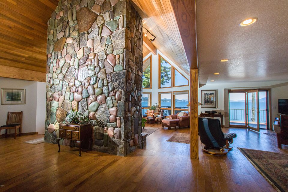 Additional photo for property listing at 563  Conrad Point Road 563  Conrad Point Road Lakeside, Montana,59922 Verenigde Staten