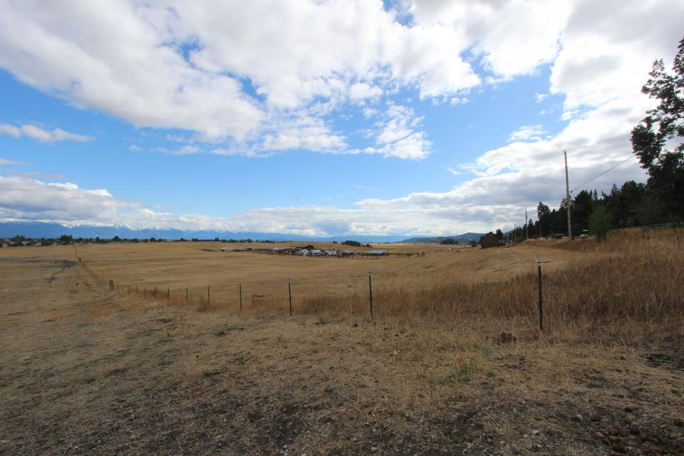 Additional photo for property listing at 525 Valley View Drive 525 Valley View Drive Kalispell, Montana 59901 United States