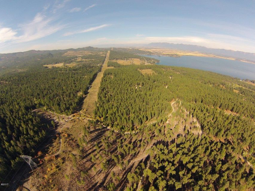Additional photo for property listing at 1020  Bear Mountain Road 1020  Bear Mountain Road Lakeside, Montana,59922 Estados Unidos