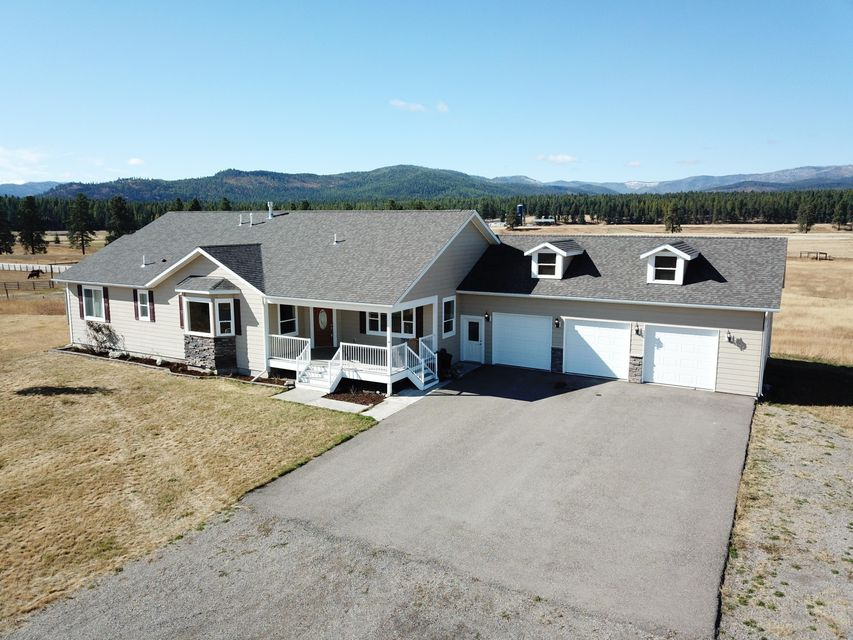 Single Family Home for Sale at 146 Le Doux Drive 146 Le Doux Drive Kalispell, Montana 59901 United States