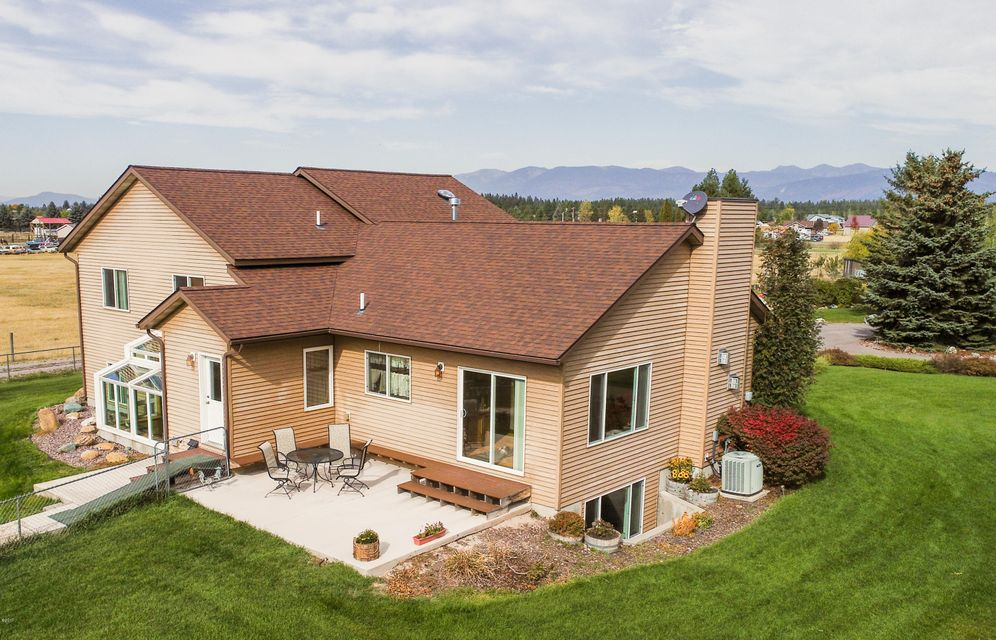 Additional photo for property listing at 110 Eastway Drive 110 Eastway Drive Columbia Falls, Montana 59912 United States