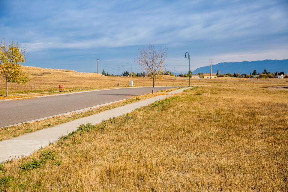 Additional photo for property listing at 40 Valley View Drive 40 Valley View Drive Kalispell, Montana 59901 United States