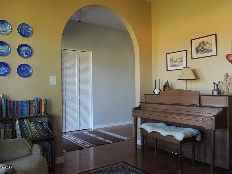 dining -sitting room