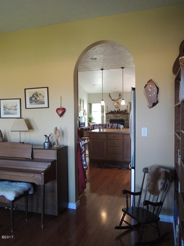 dining-sitting room 3