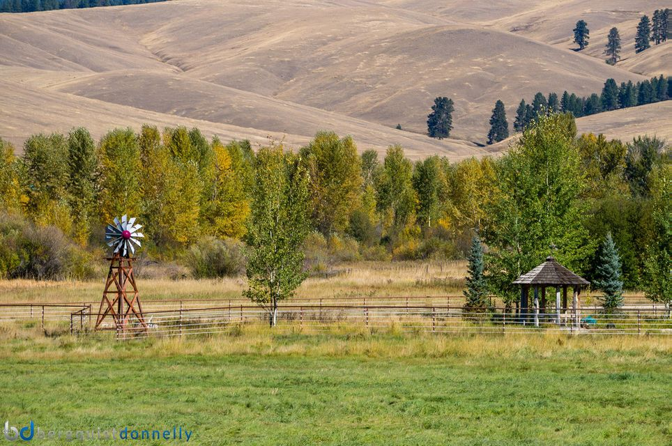 Additional photo for property listing at 6948 Edwards Road 6948 Edwards Road Sula, Montana 59871 United States
