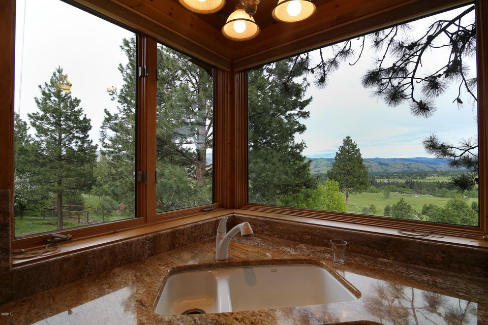 Additional photo for property listing at 594 Stags Leap Road 594 Stags Leap Road Darby, Montana 59829 United States