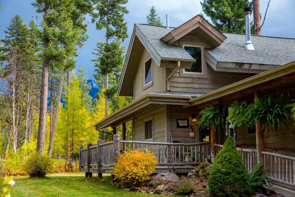 Single Family Home for Sale at 28175 Cougar Trail 28175 Cougar Trail Bigfork, Montana 59911 United States