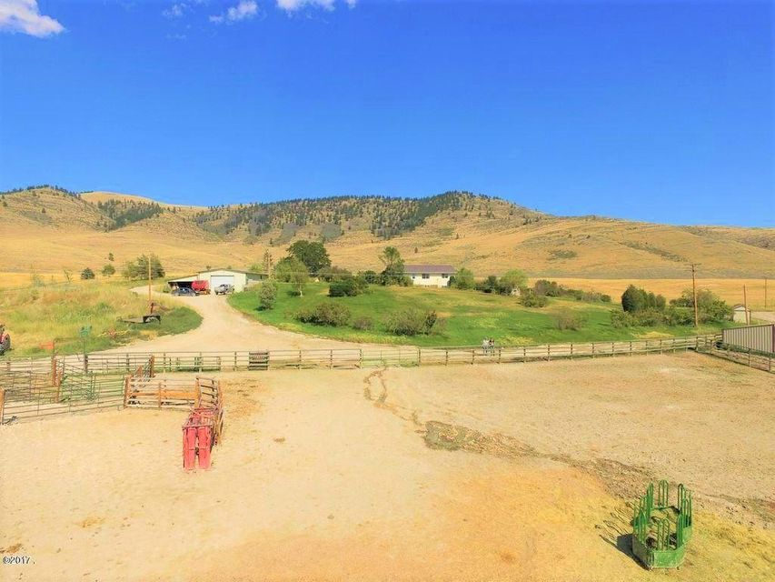 Single Family Home for Sale at 225 Baxter Road 225 Baxter Road Hot Springs, Montana 59845 United States