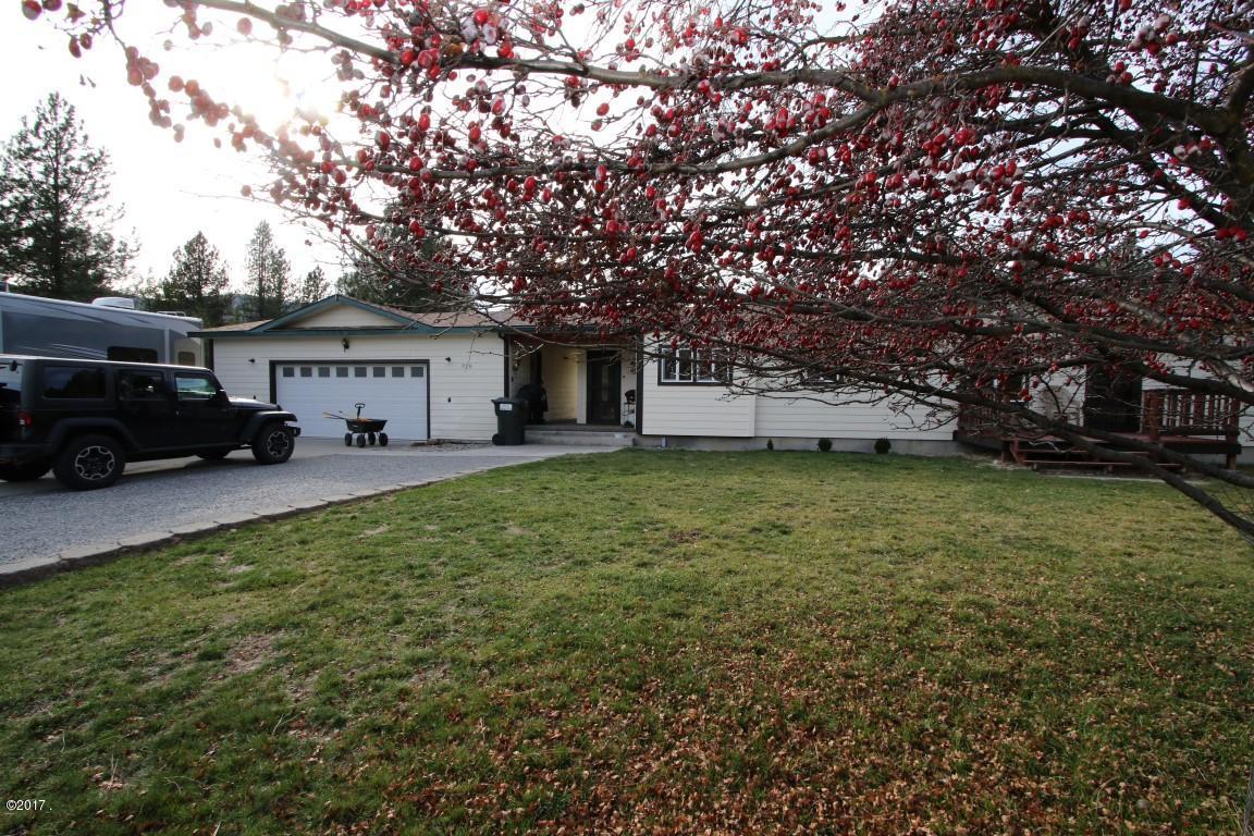 720 Southwood Court exterior 2 (Medium)