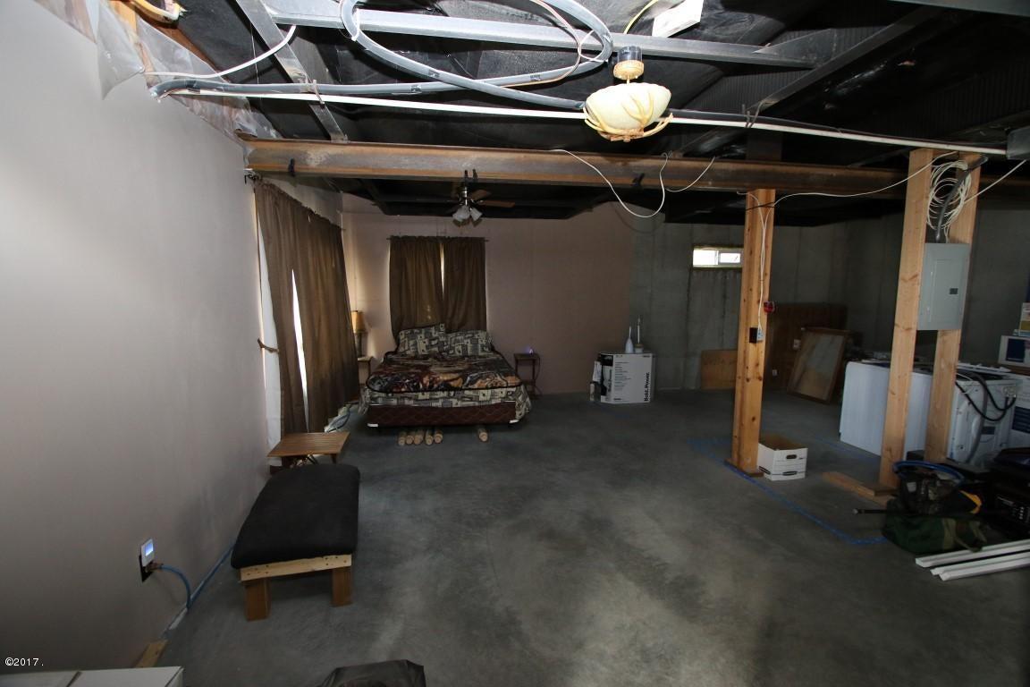 720 Southwood Court Interior 24 (Medium)