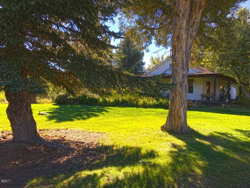 Single Family Home for Sale at 360 Fleet Street 360 Fleet Street Hamilton, Montana 59840 United States