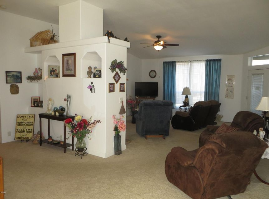 Entry-Family Room