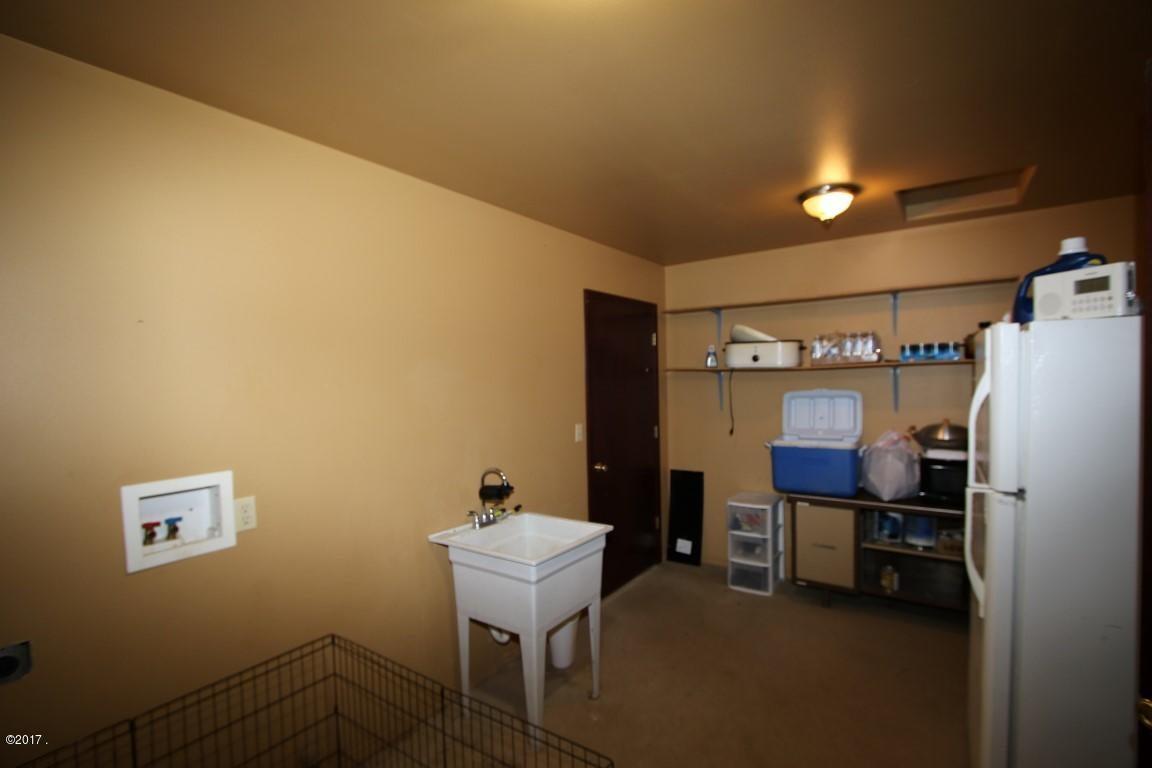 42 Tyler M. Road interior 11 (Medium)
