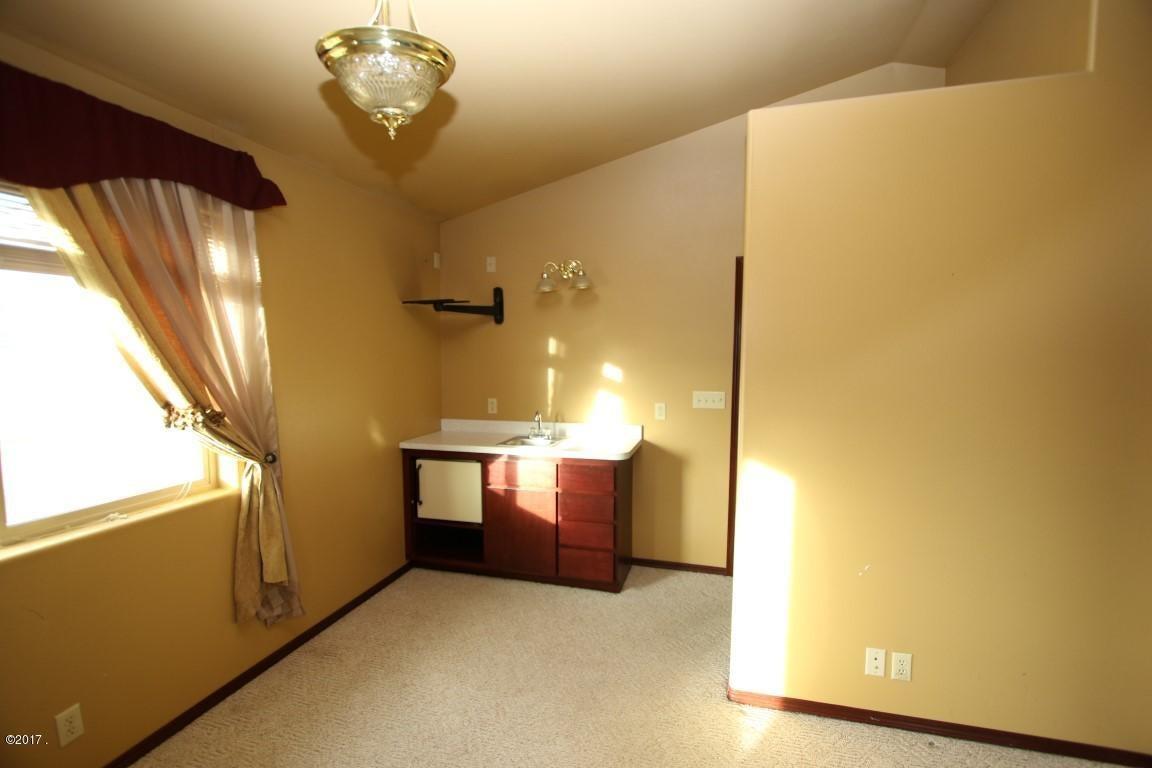 42 Tyler M. Road interior 17 (Medium)