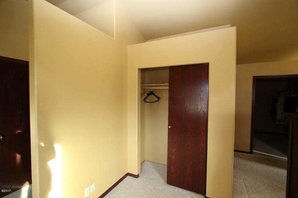 42 Tyler M. Road interior 18 (Medium)