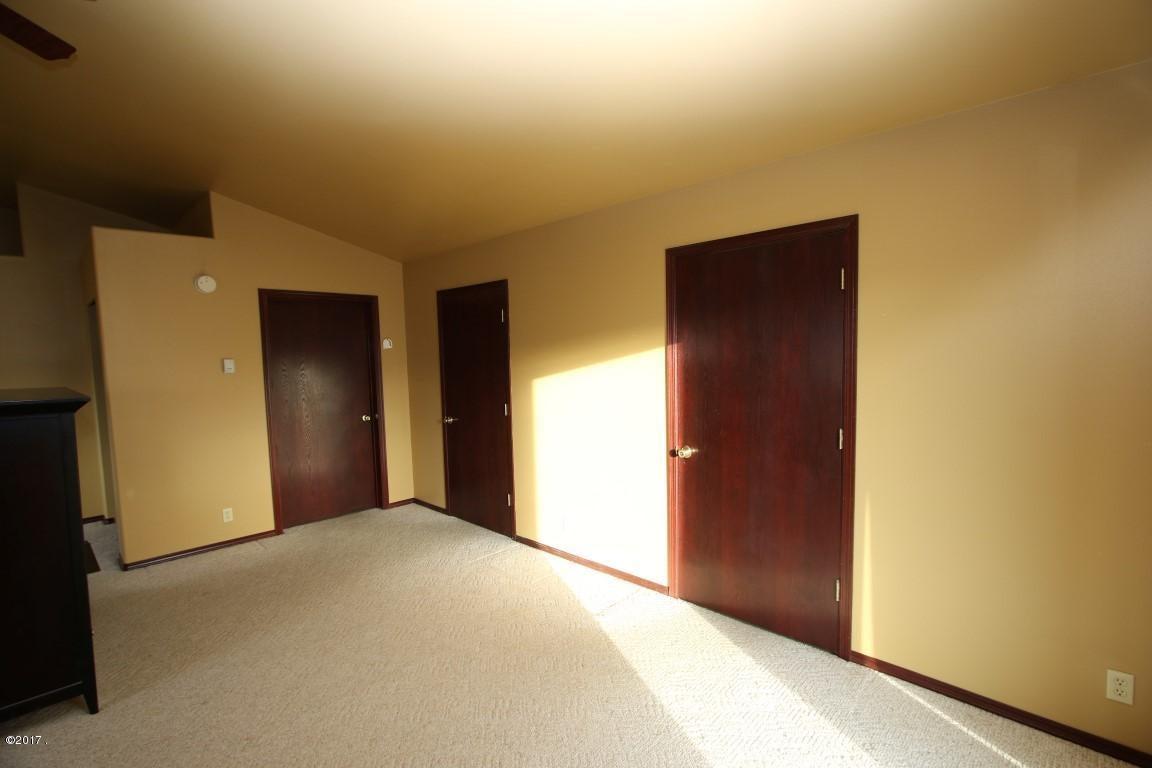 42 Tyler M. Road interior 24 (Medium)