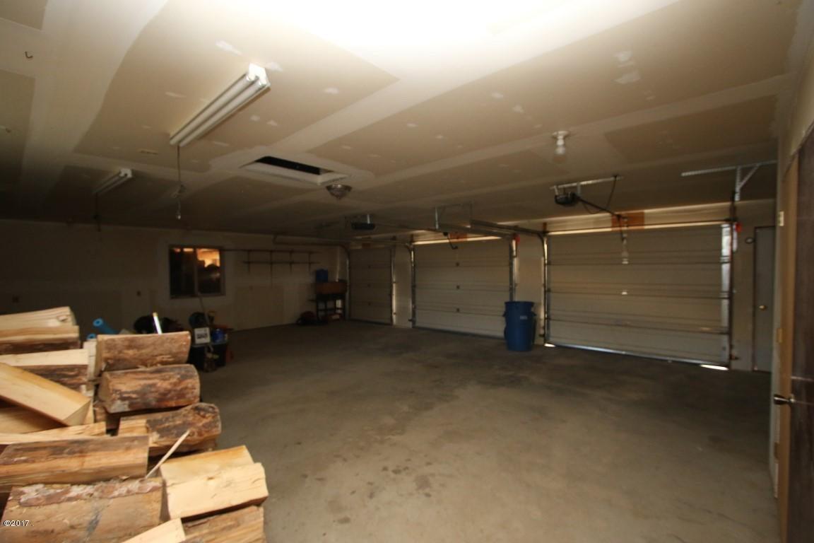 42 Tyler M. Road interior 25 (Medium)