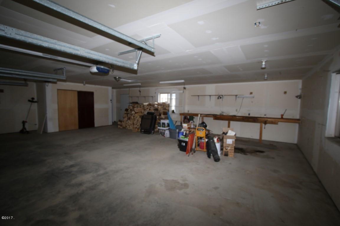 42 Tyler M. Road interior 26 (Medium)