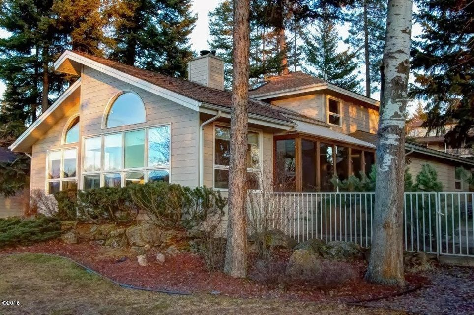 Single Family Home for Sale at 538 St Andrews Drive 538 St Andrews Drive Columbia Falls, Montana 59912 United States