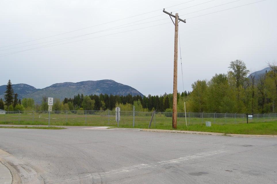Additional photo for property listing at 100 Bills Lane 100 Bills Lane Columbia Falls, Montana 59912 United States
