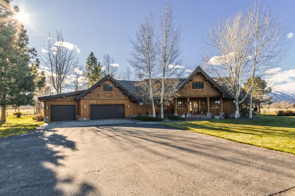 Single Family Home for Sale at 442 Arrow Hill Drive 442 Arrow Hill Drive Hamilton, Montana 59840 United States