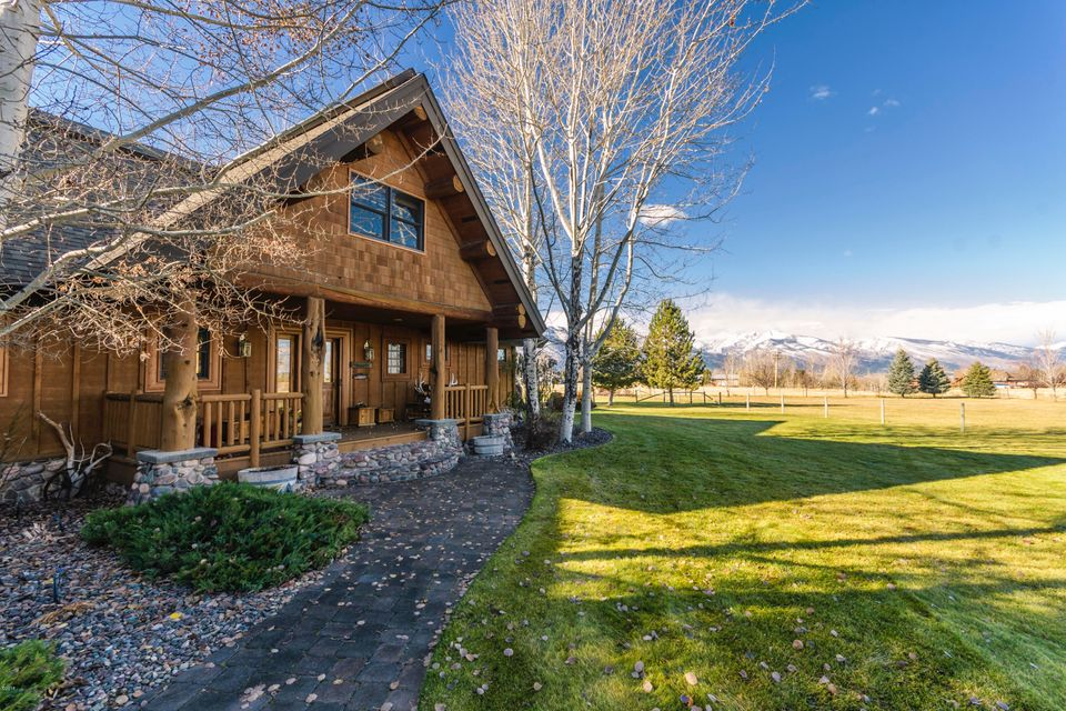 Additional photo for property listing at 442 Arrow Hill Drive 442 Arrow Hill Drive Hamilton, Montana 59840 United States