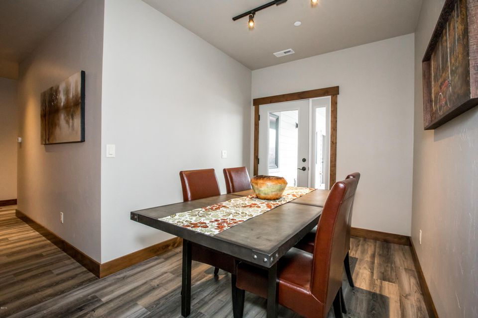 Additional photo for property listing at 519 Nucleus Avenue 519 Nucleus Avenue Columbia Falls, Montana 59912 United States